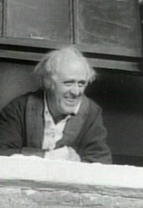 alastair-sim-as-scrooge-at-window
